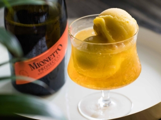 Nutty Mionetto Float
